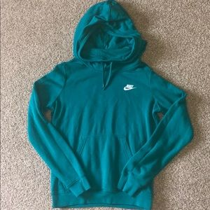 Nike Pullover size Small